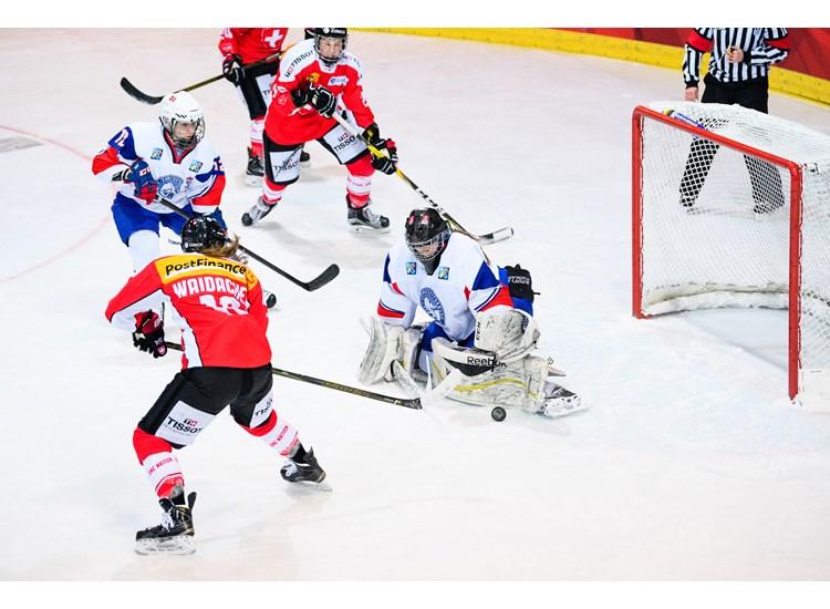 The Moving on Ice Hockey